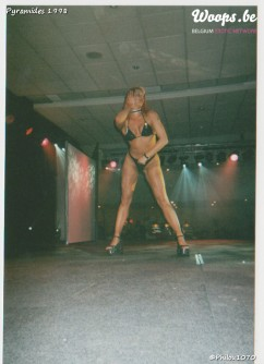 Erotisme Bruxelles Pyramides 1998 (6/23)