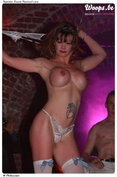 Erotisme Bruxelles Cureghem 2010 (4/47)