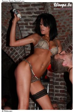Erotisme Bruxelles Cureghem 2010 (6/25)